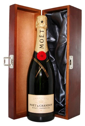 moet-and-chandon-brut-in-luxury-hinged-wooden-gift-box-nv-75-cl