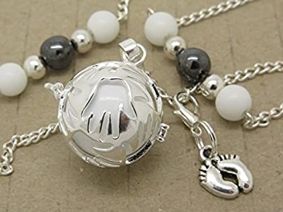BOLA ARGENT PLAQUE DE GROSSESSE BILLE DE CUIVRE blanche avec breloque petit pied amovible et descente de perles de verre et d'hématite cadeau future maman idée cadeau grossesse