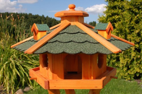 birdhouse-birdfeeder-with-asphalt-shingles
