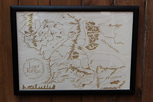 wooden-middle-earth-map-engraved-into-wood-lord-of-the-rings-map
