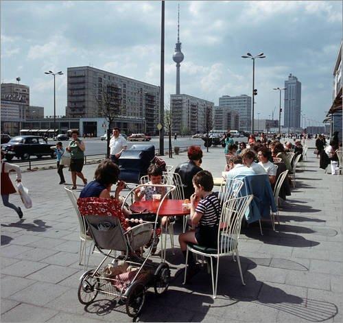 Forex-Platte 70 x 70 cm: DDR - Berlins neue Mitte 1970 von ddrbildarchiv.de