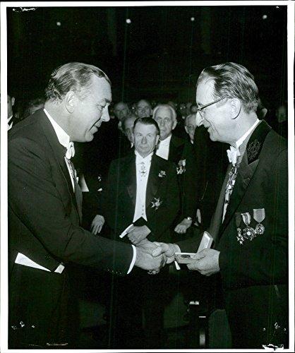 vintage-photo-of-engineering-sciences-40th-anniversary-prince-bertil-medaljerar-prof-edy-velander-wi