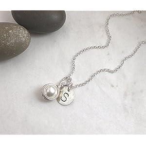 Buchstaben Kette Initiale Muschelkern weiß 925 Silber, Halskette Perle + Scheibe Gravur