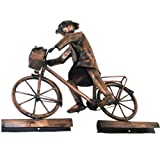 Kupferfigur Frau auf Fahrrad für die Dachrinne, 35 cm