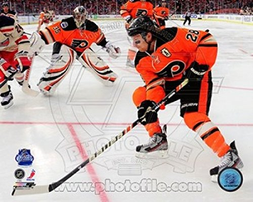 Nhl Poster Shop (The Poster Corp Claude Giroux 2012 NHL Winter Classic Action Photo Print (50,80 x 60,96 cm))