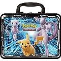 Pokémon POK80546 TCG : Coffre Collector (2019) blindé Mewtwo, Pikachu, Dracaufeu (Un au Hasard), Couleurs mélangées