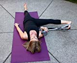 Flexibilität Stretch Out Strap - Beste für Yoga, Dance, Physikalische Therapie, Training, Heilung und Reha Dehnung mit 12 Schlaufen, gepolsterte Fußstütze und Bonus Benutzerhandbuch (GREY) -