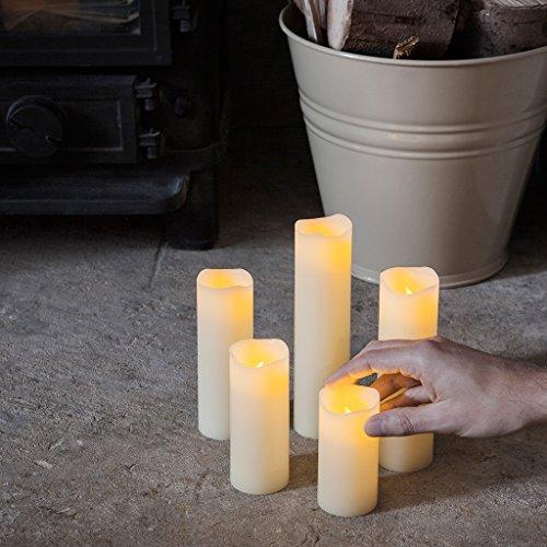 Conjunto de 5 velas Led a columna LED en cera a pilas de Lights4fun