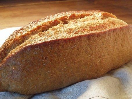 全粒粉100%パン(ドイツパン)    ※≪健康的で☺驚くおいしさ≫しかも無添加。(天然酵母です) whole wheat 100% bread
