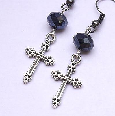 Boucles d'oreilles croix argentée, Vendue à l'unité ou par paire, style gothique, boucles oreilles homme