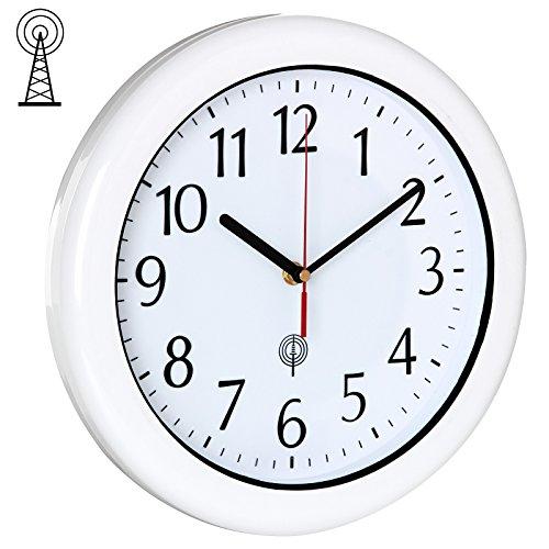 Deuba Funkwanduhr Wasserdicht Inkl. Batterie Nahezu Geräuschlos Automatisch Zeitumstellung Großes Ziffernblatt Weiß Für Innen & Außenbereich - Analog Wanduhr Funkuhr