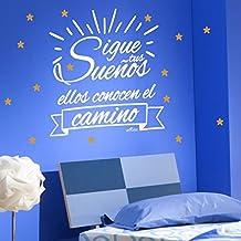 Vinilos decorativos pared frase Sueños. Color BLANCO con estrellas DORADAS. Tamaño 115X95 cm.