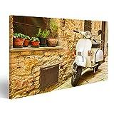 islandburner Bild Bilder auf Leinwand Weinleseszene mit Vespa auf Alter Straße Wandbild, Poster, Leinwandbild GQS