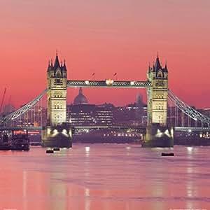 Posters: Londres Poster Reproduction - Tower Bridge Au Crépuscule Rouge (70 x 70 cm)