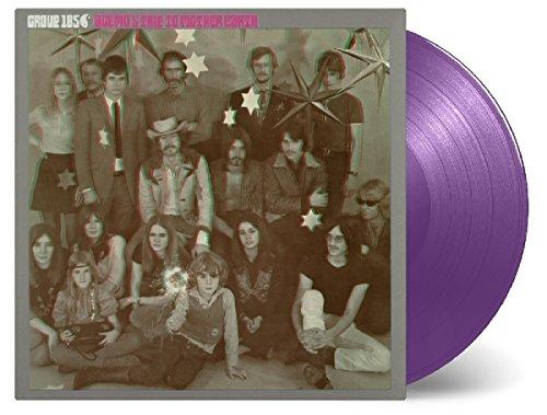 • Audiophiles 180g Vinyl\n• Gatefold Sleeve\n• 50th Anniversary Edition\n• Limitierte Erstauflage von 500 nummerierten LPs auf PURPLE Vinyl!\nDie holländische Psychedelic-Rock Band GROUP 1850 wurde 1964 in Den Haag gegründet. Die\nFormation entwickelte sich damals zu einem Acid-Rock Act und kann heute, Jahre nach ihrer\nTrennung, als eine der innovativsten Bands der 60er Jahre angesehen werden.\nIhr erstes Album Agemo's Trip to Mother Earth ist eine musikalische Reise in sämtliche Richtungen\nvon Psychedelic bis Prog-Rock, die niemals in Vergessenheit geraten wird! Eine fantastische\nMusikerfahrung!\nAgemo's Trip to Mother Earth ist als limitierte Erstauflage von 500 nummerierten Exemplaren auf\nPURPLE Vinyl erhältlich. [Vinyl LP]
