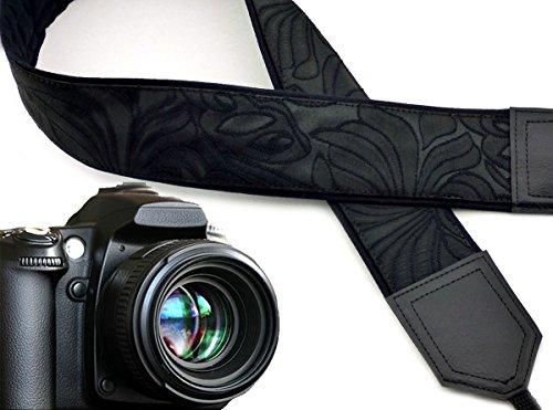 Nero cinghia per fotocamera con texture. Collo Fotocamera Cinghia ornamenti. Camera Strap per Fotocamere DSLR e SLR. Regalo per Lei by intepro. codice 00284