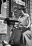 1art1 70156 Audrey Hepburn - Vespa Postkarte 15 x 10 cm