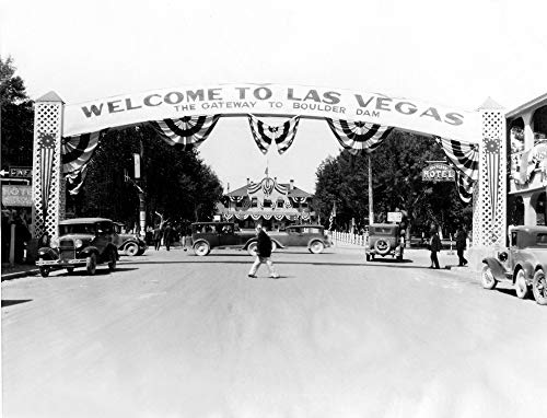 Las Vegas-The Main Street In Vegas Poster Print (60,96 x 45,72 cm) -