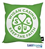 L&S PRINTS FOAM DESIGNS Keep The Faith Wigan Casino grün Design Kissen 45,7 x 45,7 cm ideal Geschenk Neuheit Made in Yorkshire
