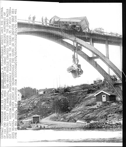 vintage-photo-of-for-over-two-hours-hung-the-danish-driver-egil-jensen-ten-meters-below-skapesund-br