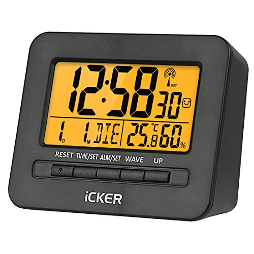 iCKER Funkwecker, Wecker Digital Funkuhr, Reisewecker mit Thermo-Hygrometer, FR4 Leiterplatte, Batteriebetrieben, 80° LCD Display, Sanfte Hintergrundbeleuchuntung (5 Sekunden), Schwarz Matt