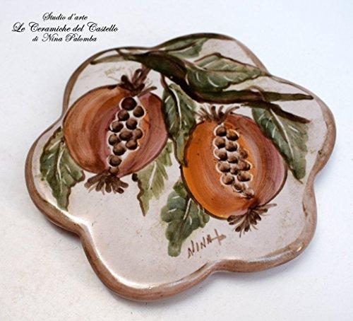 Sottocaffettiera Sottopentola Linea Melograni Realizzato e dipinto a mano Le Ceramiche del Castello Made in Italy Pezzo Unico dimensioni 12,5 x 12,5 centimetri