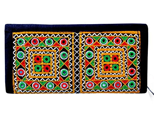 Para Ladies Traditional Hand Clutch Women Wallet, Black  available at amazon for Rs.329
