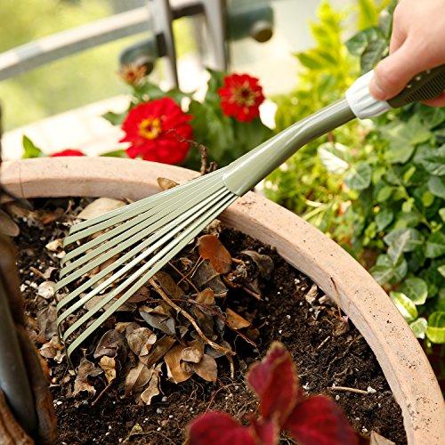 WORTH Rastrello in acciaio al carbonio manuale da giardino, giardinaggio 9-teeth Scopa con impugnatura ergonomica morbida