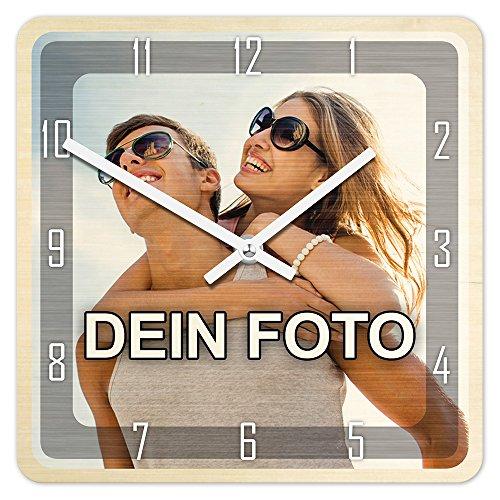 PhotoFancy® - Uhr mit Foto bedrucken - Fotouhr aus Holz - Wanduhr mit eigenem Motiv selbst gestalten (26 x 26 cm eckig, Design: Klassisch schwarz / Zeiger: weiß)