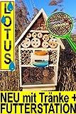 Insektenhotel, LOTUS-Ausführung (mit wasserabweisender Oberfläche), MIT 2 x SICHTGLAS ca. 8 mm und 11 mm (2 BEOBACHTUNGSRÖHRCHEN aus Glas, mit Zellstoff-Verschluss und Anflughilfe) MIT TRÄNKE SD und FUTTERPLATZ, Futterstelle, XXL viele Farben Insektenkasten farbige Nistkästen Holz Insekten,Insektenkasten, Insektenhaus, funktionelle Garten Deko passend zum Nistkasten, Vogelhaus oder Vogelhäuschen