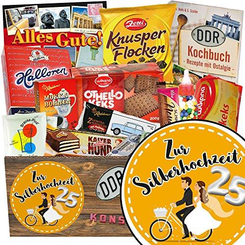 Zur Silberhochzeit   Suessigkeiten Box   Geschenk Box   Zur Silberhochzeit   DDR Paket   mit Kalter Hund Blister, Viba und mehr   GRATIS DDR Kochbuch