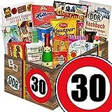 DDR Geschenk & Markenbuch | Zahl 30 | Geschenk Idee Mama | Suessigkeiten Korb