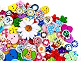 160 x Beautiful Assorted Wooden and Resin Buttons