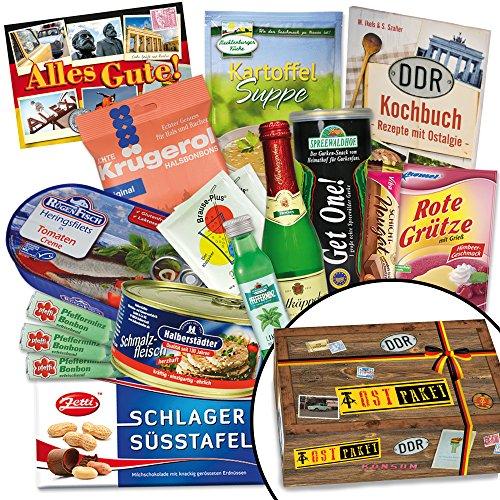 """Ostprodukte """"DDR SPEZIALITÄTEN BOX"""" Geschenkverpackung mit Ostmotiven. DAS Ostprodukte Geschenk mit bekannten DDR Produkten wie Halberstädter Schmalzfleisch + rote Grütze Himbeer + Pfeffi. Für Ostalgiker ein tolles Geschenk +++ Ostpaket (Kostüm Karton Bier)"""