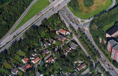 MF Matthias Friedel - Luftbildfotografie Luftbild von Schiffbeker Weg in Hamburg (Hamburg), aufgenommen am 12.09.01 um 16:02 Uhr, Bildnummer: 1687-03, Auflösung: 3000x2000px = 6MP - Fotoabzug 50x75cm