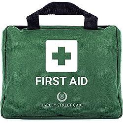 Harley Street Care Kit Profesional de Primeros Auxilios/Kit de Emergencia de 103 Piezas. Kit de Primeros Auxilios Completo, Premium, Compacto y Duradero para Salud y Seguridad - Incluye Lavaojos, 2 Compresas Frías, Manta de Emergencia para el Hogar, Coche, Trabajo y Viaje