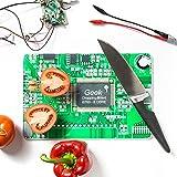 """Technikfrühstück mit dem Geek Schneidebrettchen im Mainboardlook  Wer Fan von Bits undBytes ist, kann sich mit diesem detailreichen und stabilen Mainboard-Küchenbrett die kulinarische Welt etwas aufpeppen. Das""""Geek chopping board"""" ist 31x21x1 cm gr..."""