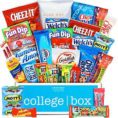 CollegeBox Snack-Paket aus einer Vielzahl von frittierten Lebensmitteln, Keksen und Süßigkeiten (Packung mit 30)