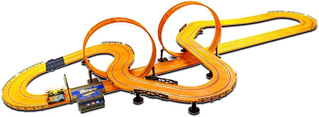 Hot Wheels ABS Plastic 1:43 Scale Model Racer Track Set with 2 Slot Cars, Lap Count and Adaptor, 915cm Parameter (Multicolour)