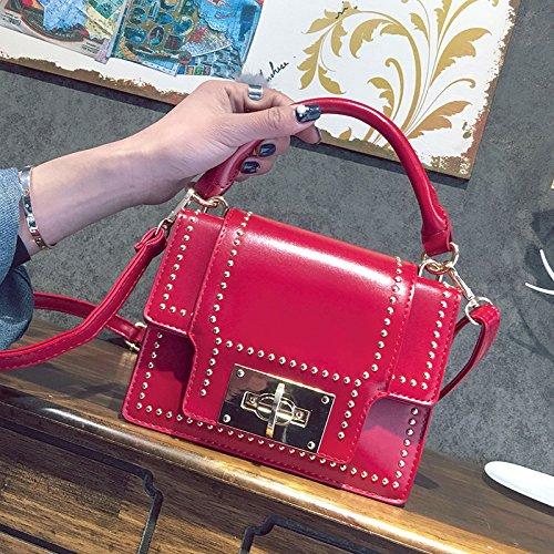 Pacchetto LiZhen femmina marea nuovi rivetti elegante piccoli pacchetti di partito coreano wild Ladies borse tracolla messenger bag custodia package, marrone Rosso