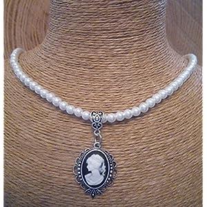 Perlenkette mit Kamee-Anhänger