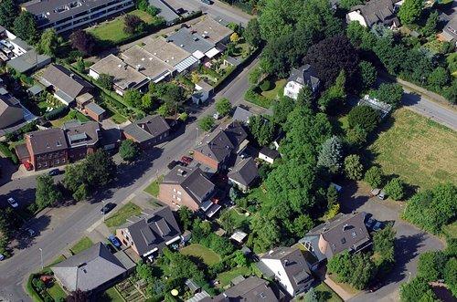MF Matthias Friedel - Luftbildfotografie Luftbild von Jan-van-Werth-Straße in Kaarst (Neuss), aufgenommen am 20.06.05 um 17:07 Uhr, Bildnummer: 3493-08, Auflösung: 4288x2848px = 12MP - Fotoabzug 50x75cm