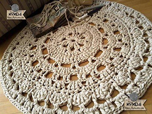 Alfombra redonda mandala de trapillo grueso beige de 85 cm. en crochet
