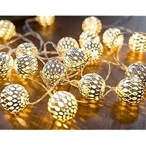 CozyHome LED Lichterkette marokkanische Kugeln Silber | 6,8 Meter Gesamtlänge | 20 warm-weiße LEDs - kein lästiges austauschen der Batterien | NICHT batteriebetrieben sondern mit Netzstecker