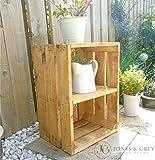Fioriera in legno vintage da giardino con ripiano stile cassetta frutta.