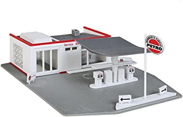 Walthers, Inc. Gas Station Kit