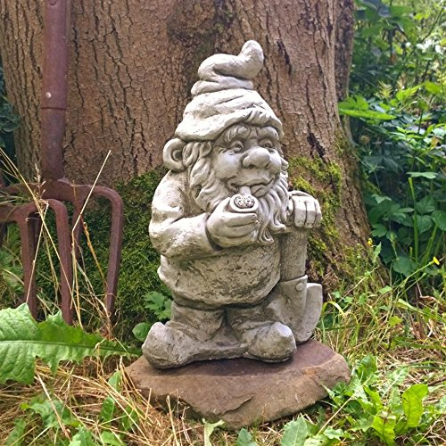 outdoor-garden-quirky-grey-gnome-with-pipe-and-spade