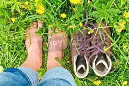"Alu-Dibond-Bild 90 x 60 cm: ""Barefoot in nature"", Bild auf Alu-Dibond"