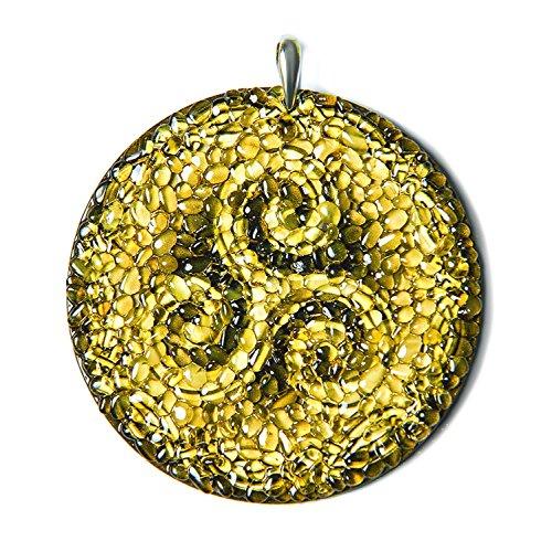Triskelion - Amuleto celta de ambar, para conduccion segura