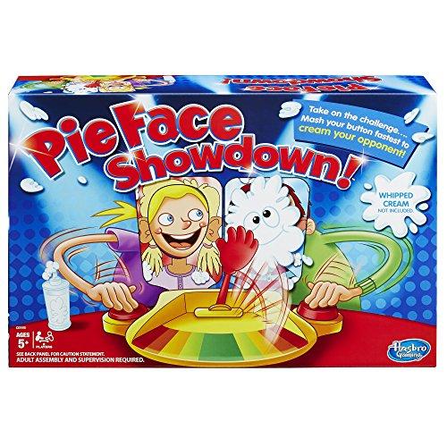 El hilarante pie juego Face Showdown trae la diversión con amigos y familiares para muchos de actuación. En primer lugar, los jugadores carga el brazo con nata montada (no incluido) o la esponja incluida. Entonces, cada jugador coloca su barbilla sob...